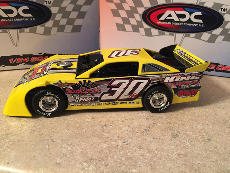 ADC RED SERIES 2017 Ryan King TN Driver Dirt Late Model 1/64 Diecast Car.