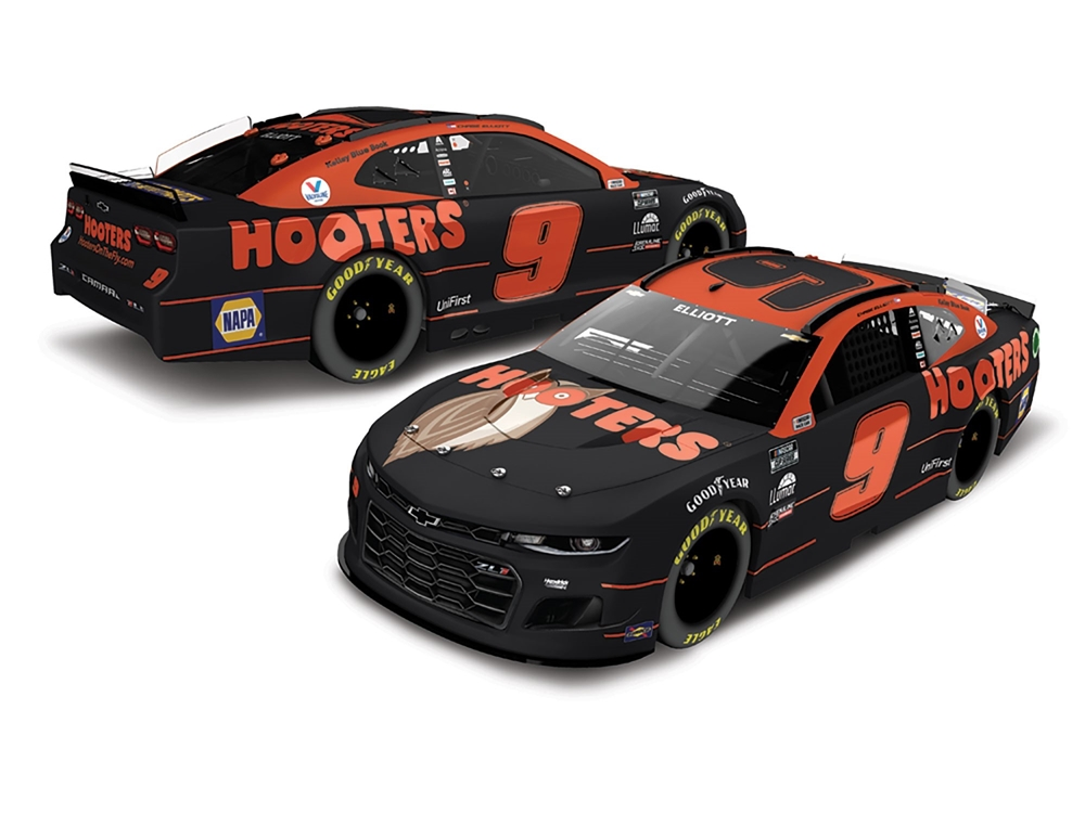 2021 Chase Elliott #9 Hooters 1:24 Color Chrome Nascar Diecast Car.